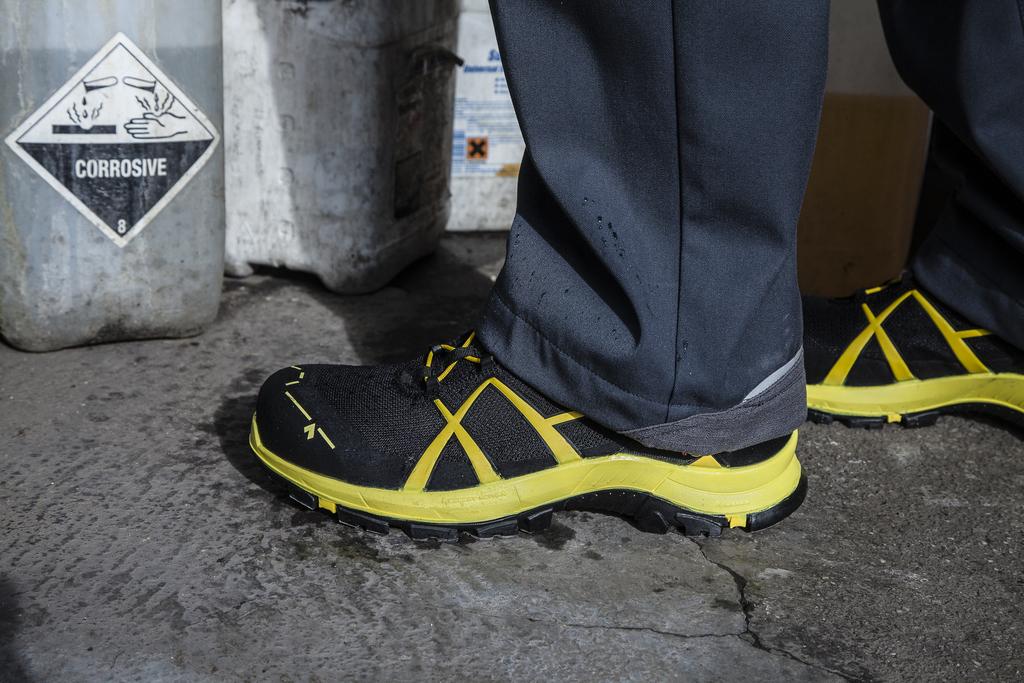 hsm sporty safety shoe