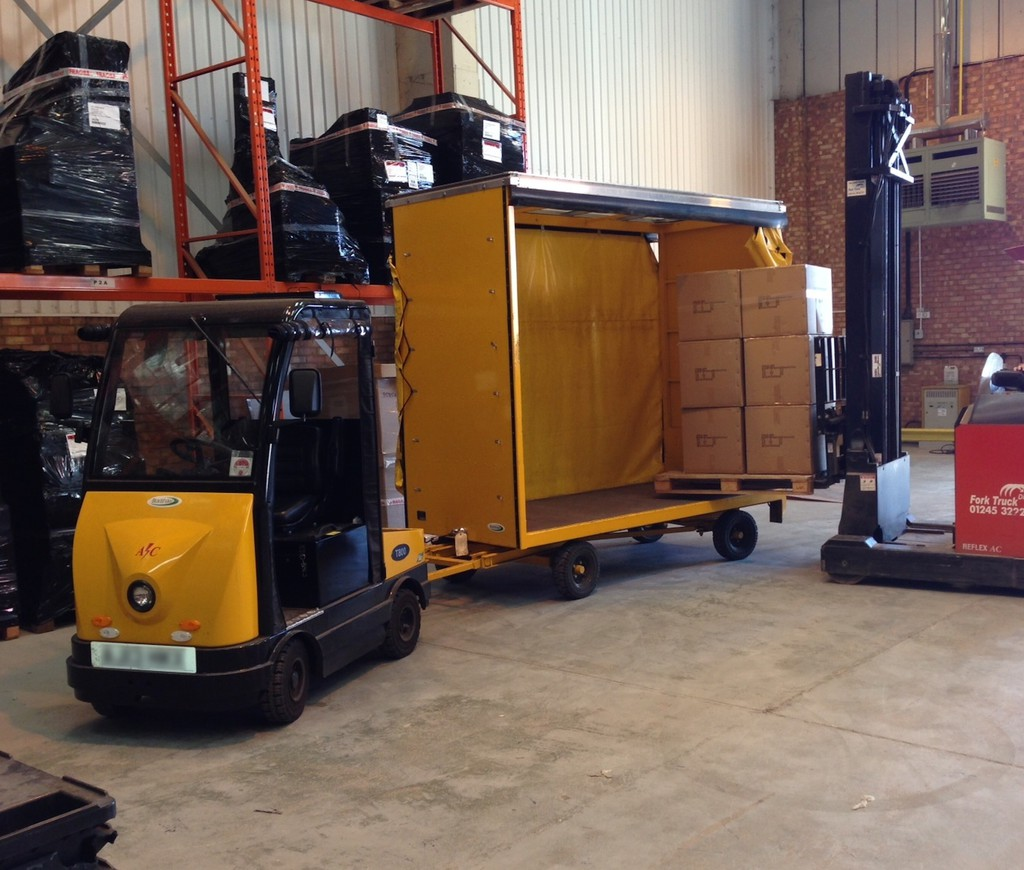 HSS - Warehouse efficiency boosted by electric vehicles
