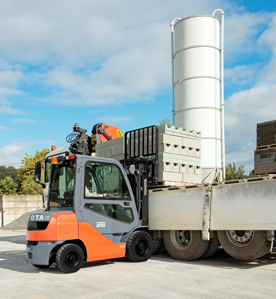 HSS - Tonero forklifts with hydrostatic transmission