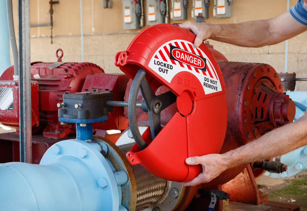 Hsm Save Lives With Lockout For Large Gate Valves
