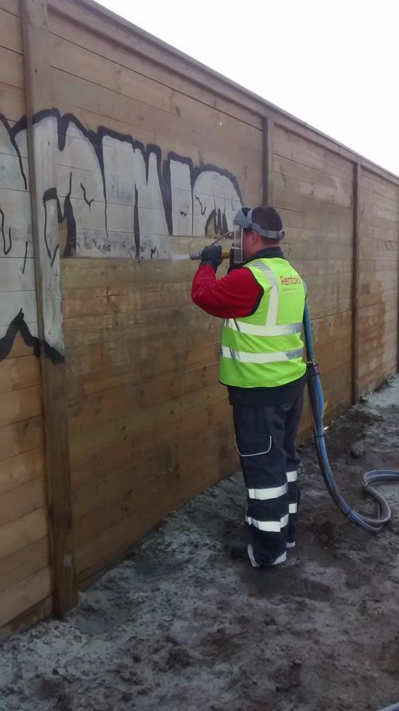 Cm Greener Graffiti Removal