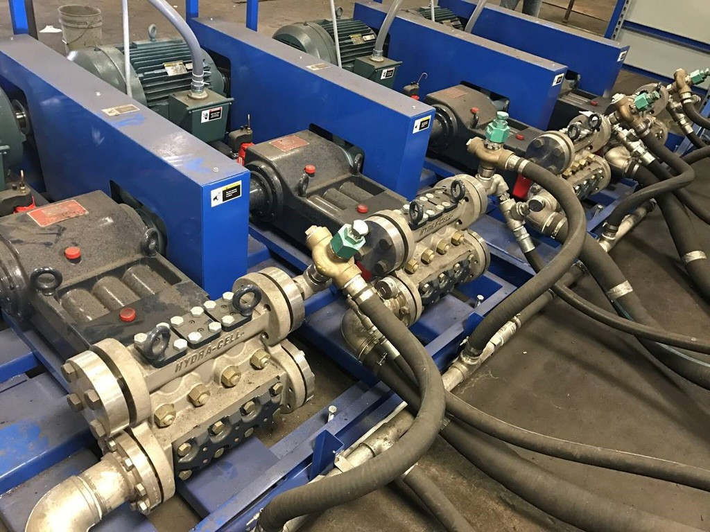 Cda pumps handle aggressive chemicals pumps with dynamic seals rely on seepage of the pumped liquid for seal lubrication dry running at best causes the seals to wear and could result in ccuart Image collections