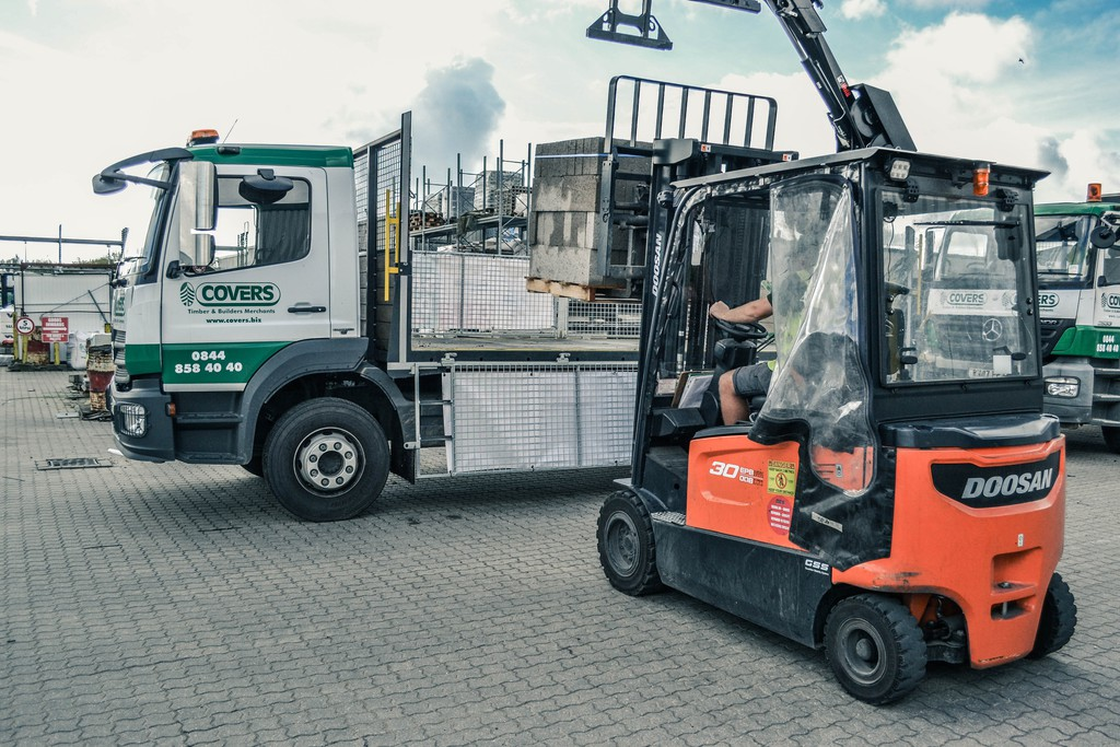 hss electric trucks backed with 5 year warranty in tough conditions