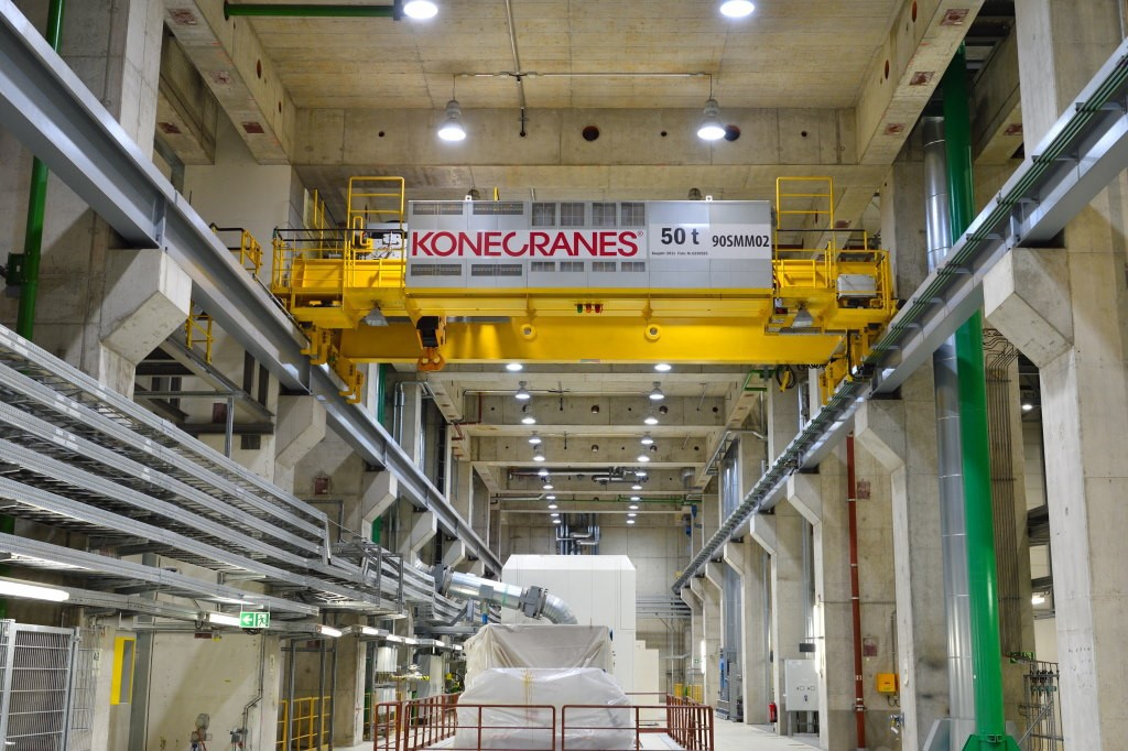 HSS - 260 cranes and hoists at power plant