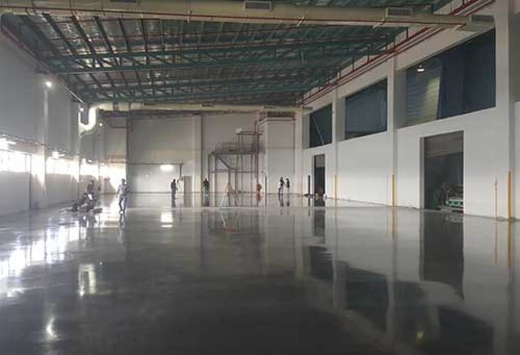 HSS - Bespoke floor paves way for automation at Yusen Logistics